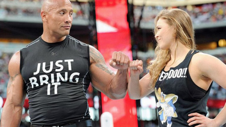 Наскоро Раузи се прочу и с участието си в WWE, където се застъпи за иконата в кеча Скалата, като му помогна да се справи с Трите Хикса и Стефани Макмеън