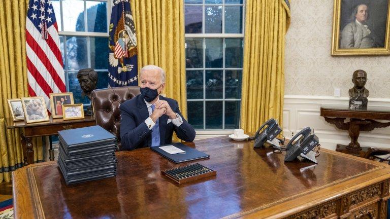С първите си 15 указа като президент Байдън върна САЩ в Парижкото споразумение и в СЗО