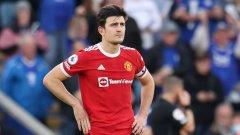 С ръце на кръста и напълно безпомощен - така изглеждаше капитанът на Манчестър Юнайтед при загубата с 2:4 срещу бившия си тим Лестър.