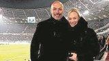 Съдийска сватба: Хауърд Уеб и Бибиана сключиха брак