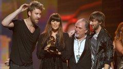 """Кънтрягите от Lady Antebellum получават една от 6-те си награди на тазгодишните """"Грами"""""""