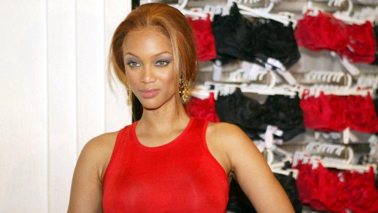 """Банкс е сред """"добрите момичета"""" на браншаТайра се различава от куп нейни конкурентки със сдържаното си поведение и безупречен публичен облик. По време на активната си кариера на модел тя никога не е улавяна пияна, дрогирана, с неподходящо поведение. Банкс държи момичетата, на които става ментор в шоуто си """"Следващият топ модел на Америка"""", да спазват същия неписан кодекс."""