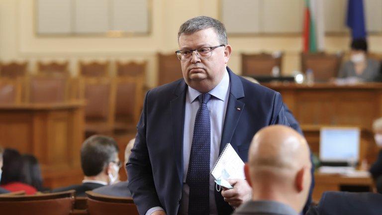 Парламентът прие годишния доклад за дейността на КПКОНПИ