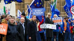 Развод в хаос? Отлагане на Brexit? Втори референдум?
