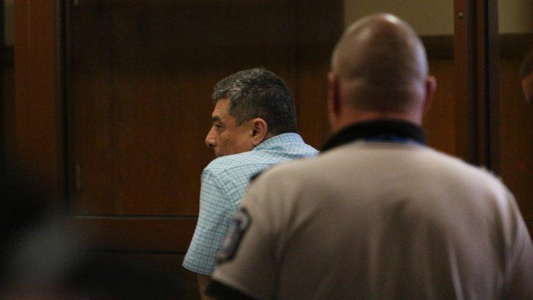 Според съда има опасност да се укрият или да повлияят върху свидетели по делото