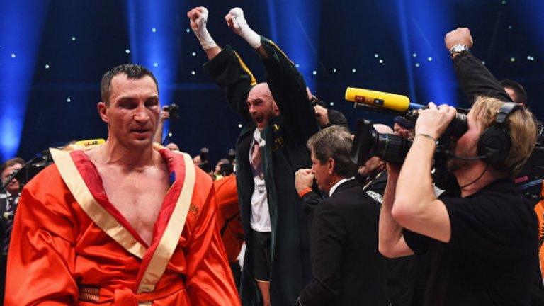 """Тайсън Фюри сложи край на ерата """"Владимир Кличко"""". Реваншът на """"Уембли"""" ще генерира тлъсти приходи от билети и тв права."""