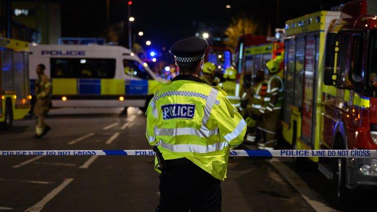 Полицията издирва заподозрения за убийствата