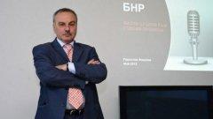 Радослав Янкулов не е сред кандидатите за шеф на държавното радио, като причината е, че оспорва пред ВАС самото обявяване на конкурса в СЕМ. До момента съдът не се е произнесъл по жалбата на Янкулов.