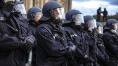 Скандалът в полицията на Северен Рейн-Вестфалия разбуни духовете в цялата страна, настройваки части от обществото срещу полицията