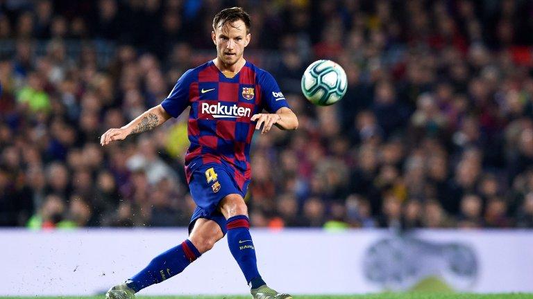 Изглежда така сякаш Ракитич и още няколко от настоящия състав на Барселона прекарват последните си месеци в клуба.