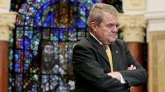 Депутатът от БСП Румен Петков живо се интересува питало ли е ЦРУ Борисов за проект на президента или са му докладвали...