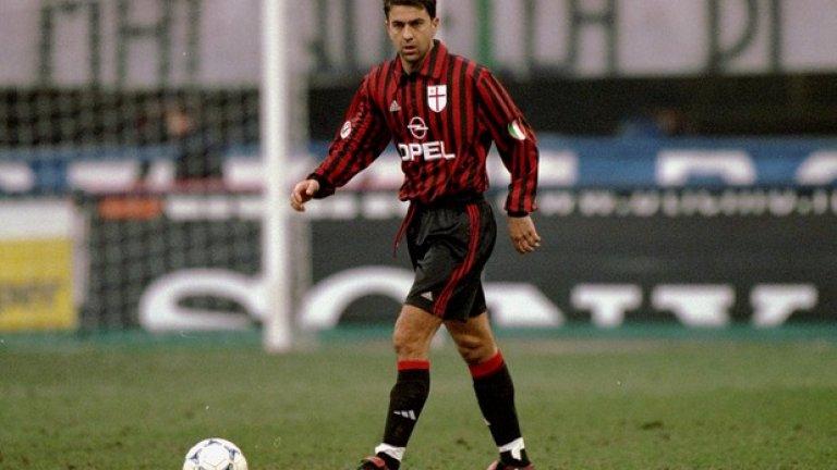 8. Алесандро Костакурта (1986-2007, 3 гола в 663)