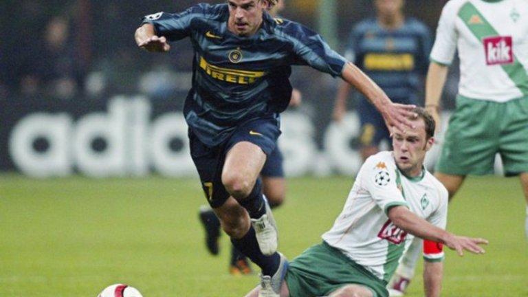 На 24 и на гърба на най-добрия си сезон за Аякс, през 2003-а Анди подписа с Интер за около 8 млн. евро. Специалистите вярваха, че това е големият му шанс да материализира потенциала си, но грешаха.