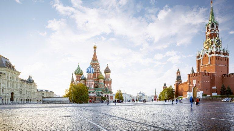 Столицата се опитва да се пребори с COVID-19, но руснаците имат редица други притеснения