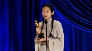 """93-тите награди на Академията бяха раздадени на церемония в Лос Анджелис, а """"Земя на номади"""" спечели отличията за най-добър филм и най-добър режисьор (на снимката: режисьорът на филма Клои Жао)"""