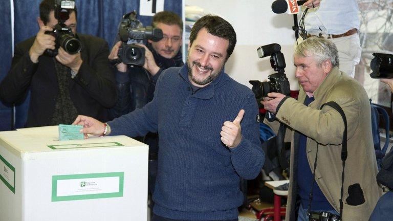 """Това личи и от успеха на крайнодесни и популистки формации в изборите в Европа. Пример е успехът на """"Лигата"""" (на снимката: лидерът Матео Салвини) и """"Движение 5 звезди в Италия""""."""