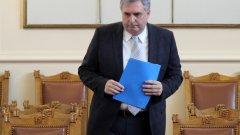 Социалният министър разбрал от медиите за бонуса към пенсиите за Великден