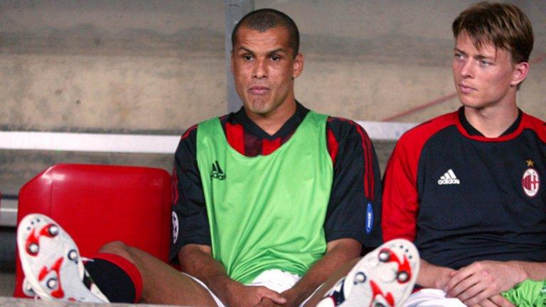 След Мондиал 2002 отиде в Милан като световен шампион, но контузиите и възхода на Кака го оставиха на пейката.
