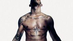 Люис Хамилтън обясни какво означават татуировките му