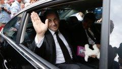 Съдът даде глътка въздух за Никола Саркози дни след като бившият президент обяви, че иска да се върне в политиката
