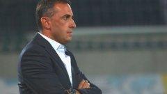 Петев се спаси от националния отбор на България и едва ли някой ще тъжи за него. Поредната треньорска смяна обаче няма да спре пропадането