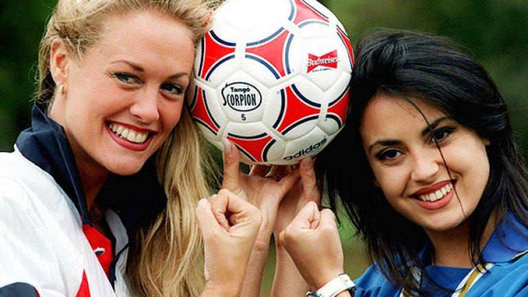 """Според мнозина """"женски футбол"""" е оксиморон."""