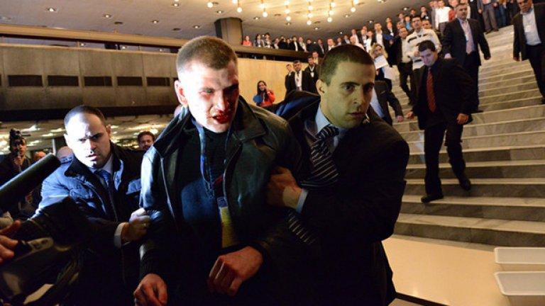 Октай Енимехмедов, който беше осъден за нападението над почетния лидер на ДПС Ахмед Доган, изтърпя наказанието си и беше освободен