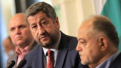 Според Атанас Атанасов неговият колега Христо Иванов има качества да бъде премиер