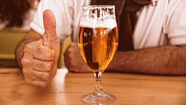 Чешките пивоварни са изправени пред сериозен срив заради антиепидемичните мерки и затварянето на ресторанти и барове. Но една кампания търси спасение за тях...