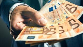 Сделката на Еврогрупата повдигна много въпроси, но не отговори на тях