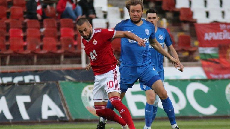 ВАР дебютира в България с трудна победа на ЦСКА