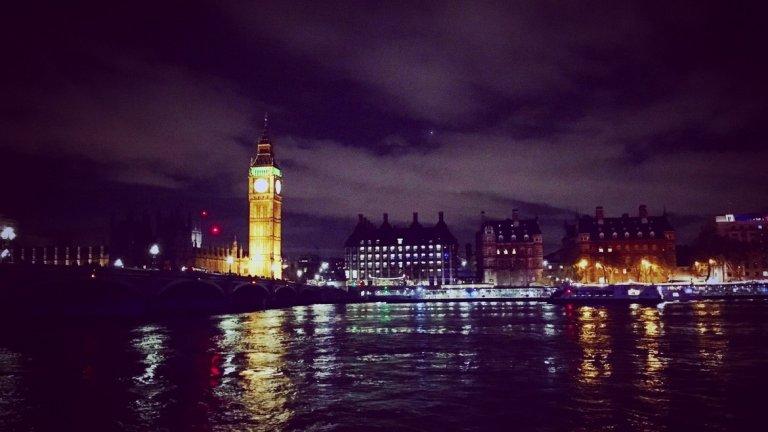 Cheers! за Лондон, кръчмите с камбанария и момичетата с най-тънките токчета