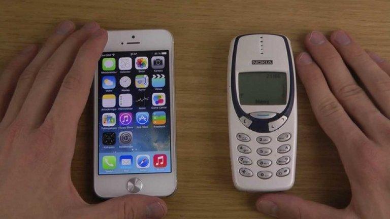 6. Официално изглеждащият зелен екран Помните ли го - зеления екран и онази представителност, която носеше. Зареждаш телефона с часове, пускаш го и на екрана, който изглеждаше като миниатюрен стар монитор не се появяваше нищо друго освен надпис Nokia, Меню и индикаторите за батерията и обхвата. Всичко тогава беше по-просто.