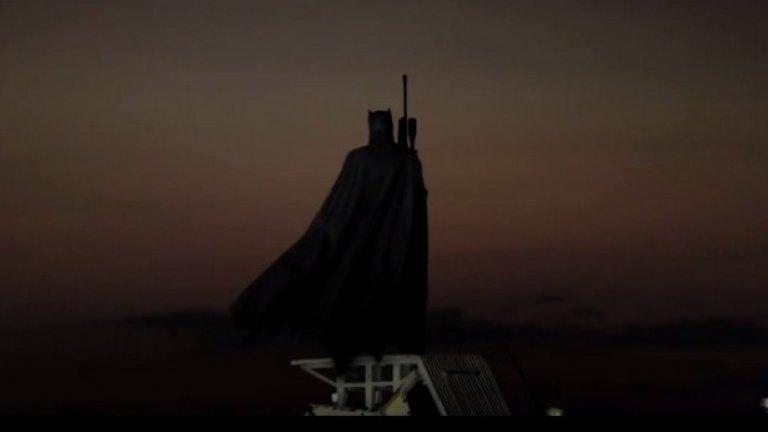 Черният рицар се завръща... с тежко въоръжение