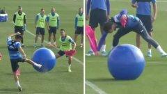 Големи топки: Нетрадиционната тренировка на отбор от Примера, която всеки би искал да опита (видео)