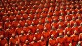 Защитни костюми на парада в Северна Корея