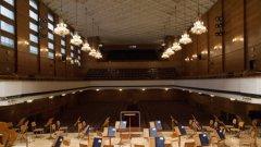 Те опровергават твърденията, че целият състав на Филхармонията не иска нов конкурс за директор, след като ден по-рано синдикатите към институцията се усъмниха в процедурата.