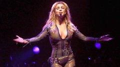 Бившият бодигард на Бритни Фернандо Флорес обмисля да заведе дело за сексуално посегателство срещу нея.
