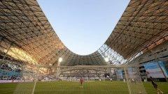 """""""Стад Велодром"""" в Марсилия разполага с чисто нов покрив и с 67 394 места. От груповата фаза там ще са мачовете Англия – Русия (11 юни), Франция – Албания (15 юни), Исландия – Унгария (18 юни), Украйна – Полша (21 юни), един четвъртфинал на 30 юни, както и полуфинал на 7 юли."""