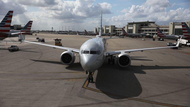 Boeing възобновяват производството на 737 MAX