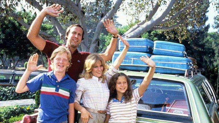 """National Lampoon's Vacation/ """"Семейство Гризуолд във ваканция""""  Тук отново се вижда отпечатъкът на Реймис, който в случая поема режисьорска палка, за да екранизира злополуките на семейство Гризуолд и техните неуспешни опити да си прекарат ваканцията добре. Филмът представя едни абсурдно нелепи герои, които непрекъснато попадат в дори още по-абсурдни ситуации. Толкова е успешен, че след него идват цели четири продължения."""