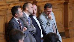 Според Мартин Димитров всички решения на Комисията към юни 2015 са били отменени от ВАС