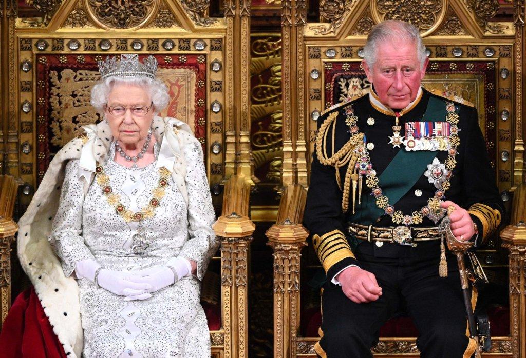 Най-възрастният (потенциален) крал  Бидейки на прага на 72-та си годишнина, принц Чарлз един ден евентуално ще бъде най-възрастният мъж, ставал крал на Великобритания... ако изобщо някога наследи короната от своята майка Елизабет II.  Кралицата е на престола вече 68 години, с което също подобрява рекорди - тя е най-дълго служилата като държавен глава жена в историята, най-възрастният монарх, най-дълго управлявалият монарх все още на власт и още.