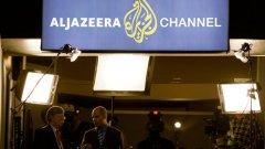 Задържането на тримата журналисти в Египет предизвика серия от възражения на западни правителства и организации за защита на човешките права