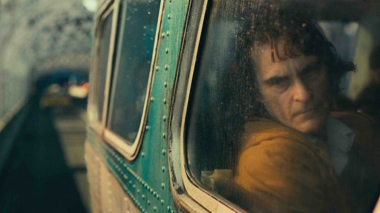 """Най-добър актьор: Хоакин Финикс (""""Жокера"""")  Другите номинирани: Антонио Бандерас (""""Болка и величие"""" / Pain and Glory) Робърт Де Ниро (""""Ирландецът"""") Леонардо ДиКаприо (""""Имало едно време в Холивуд"""") Адам Драйвър (""""Брачна история"""") Еди Мърфи (""""Долемайт е моето име"""") Адам Сандлър (Uncut Gems)"""