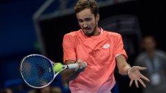Медведев е на крачка от трофея в София