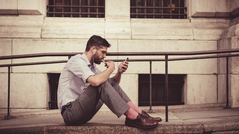 Безкрайно скролване и четене на новини? Запознайте се с ефекта doomscrolling