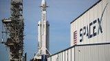 Ракетата Falcon излетя от космодрума в Кейп Канаверъл във Флорида