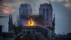 Спасени са и някои от най-ценните артефакти, изложени в катедралата