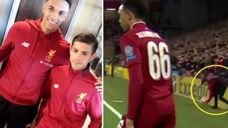 Той е само на 17, но вече е легенда на Ливърпул: Подаде топката на Трент срещу Барса и наниза хеттрик на Юнайтед